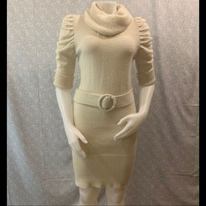 ⛄️Forever 21 Faux Pearl Sweater Dress w/ Belt⛄️